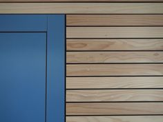 cladding detail rear ground floor dining area & nibs nearest the main entrance, including brightly coloured frame detail. Wood Cladding Exterior, Rainscreen Cladding, Wooden Cladding, House Cladding, Wooden Facade, Wood Siding, Wood Architecture, Architecture Details, Frankfurt
