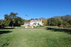 home exterior vast lawn