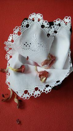 Romans z szydełkiem Filet Crochet, Crochet Lace, Romans, Brazilian Embroidery, Stitch, Etsy, Mosaic Garden, Spiral Crochet, Potholders