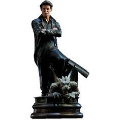 [Buffy The Vampire Slayer: Statue: Angel (Product Image)]