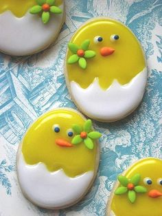 So many pretty decorated cookies / biscuits here! Fancy Cookies, Iced Cookies, Cute Cookies, Sugar Cookies, Fondant Cookies, Galletas Cookies, Cupcake Cookies, Easter Cupcakes, Easter Cookies