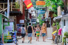 Not sure how to get to El Nido? There are several travel options to suit all budgets and traveling styles. Here are all the different ways to get to El Nido. El Nido Palawan, Travel Style, Travel Photos, Philippines, Travel Guide, Island, Street, Places, Travel Pictures
