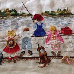 Günaydın...Küçükşeyler...Büyük mutluluklar...#günaydın #goodmorning #küçükşeyler #küçükmutluluklar #dekoratifnakış #nakış #embroidery #embroideryart #needleart #needlework #elişi #handmade #handembroidery #