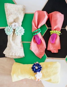 Turn costume jewelry into festive napkin rings with just a few twists of the wrist. #DIY