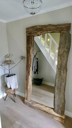 A look inside Korine - De Wemelaer - Mirror with wooden edge rural hall - Bathroom Wall Decor, Bedroom Decor, Bathroom Ideas, Pallet Furniture Designs, Salon Furniture, Beach Living Room, Sweet Home, Country House Interior, Home Salon