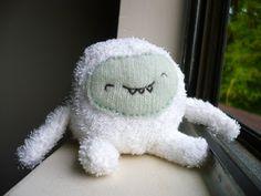 Oops, I Craft My Pants: Fuzzy Plump Yeti Plush