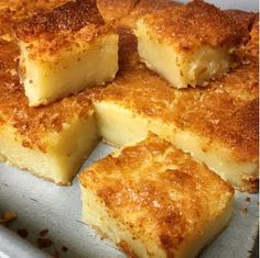 I Love This Butter Mochi Recipe! - I Cook Different Hawaiian Desserts, Hawaiian Dishes, Filipino Desserts, Asian Desserts, Hawaiian Recipes, Filipino Food, Hawaii Food Recipes, Japanese Desserts, Comida Filipina