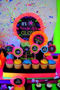 Quinceanera Party Planning – 5 Secrets For Having The Best Mexican Birthday Party Neon Birthday, 10th Birthday Parties, 12th Birthday, Birthday Party Themes, Star Wars Party, Unicorn Food, Bolo Neon, Rockstar Party, Skate Party