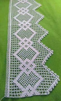 Nenhum texto alternativo automático disponível. Crochet Lace Edging, Crochet Borders, Diy Crochet, Crochet Flowers, Filet Crochet Charts, Crochet Stitches, Crochet Mouse, Crochet Decoration, Christmas Crochet Patterns