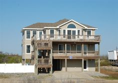 Twiddy Outer Banks Vacation Home - Sea Breeze - 4x4 - Semi-Oceanfront - 5 Bedrooms