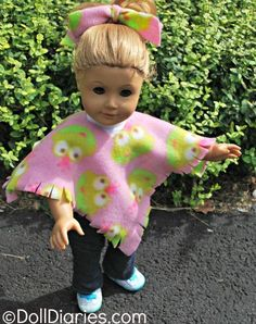 As we say goodbye to summer and hello to fall this week, I thought you might want to make something super easy and super cozy for your dolls to wear this fall. We just happened to have some cute fr…