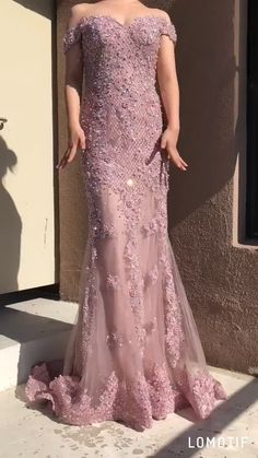 Off-the-Shoulder Chic Lace Appliques Beaded Mermaid Prom Dress - Herzlich willkommen Sexy Evening Dress, Formal Evening Dresses, Evening Gowns, Dress Formal, Stylish Dresses, Elegant Dresses, Fashion Dresses, Pretty Prom Dresses, Mermaid Prom Dresses