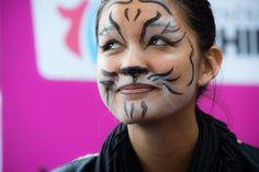 L'atelier maquillage n'était pas que pour les petits au village du CG67 à la Foire européenne :) ©Denis Guichot/CG67