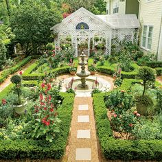 British-Inspired Courtyard - Classic Courtyards - Southern Living INSTEAD of lawn...