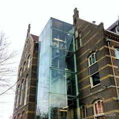 Oude en nieuwe architectuur worden bijzonder mooi gecombineerd in deze oude pakhuizen aan de Biltstraat in Utrecht.