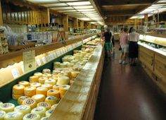 Heinis Cheese Chalet is a Favorite Stop in Berlin Ohio Amish Country Ohio, Country Barns, Amish Bakery, Berlin Ohio, Ohio Destinations, Sugarcreek Ohio, Places To Travel, Places To Visit, Anniversary Getaways
