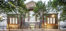 Restoration of the market of El Ninot in Barcelona, by Mateo Arquitectura - BMIAA Barcelona Architecture, Modern Architecture Design, Interior Architecture, Roof Structure, Adaptive Reuse, Retail Interior, Restoration, Marketing, House Styles