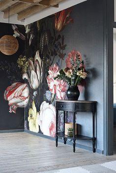 Interior florals // Source  – Decoholic