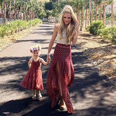 - Mom and Baby Cole And Savannah, Savannah Rose, Savannah Chat, Mother Daughter Pictures, Mother Daughter Fashion, Mama Baby, Ava Elizabeth Phillippe, Mom And Baby Outfits, Sav And Cole