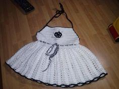Vestido para niña,descubierto por la espalda