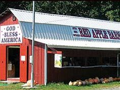 It's Pick Your Own Apple season at the Red Apple Barn in Ellijay, #Georgia!