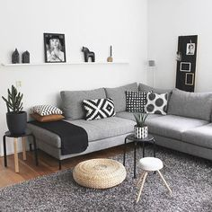 Living Room Designs That Work Grey Small Living Ro. - Living Room Designs That Work Grey Small Living Room Apartment Design - Narrow Living Room, Small Apartment Living, Cozy Living Rooms, Living Room Grey, Home Living Room, Living Room Decor, Cozy Apartment, Studio Apartment, Dining Rooms