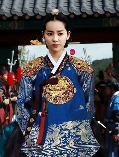 hanja: 李祘), also known as Lee San: The Wind of the Palace, is a 2007 South Korean historical drama, starring Lee Seo-jin and Han Ji-min] It aired onMBC from September 2007 to June 2008 on Mondays and Tuesdays 한지민 Korean Traditional Dress, Traditional Fashion, Traditional Looks, Traditional Dresses, Yi King, Korean Princess, Han Ji Min, Korea Dress, Dong Yi