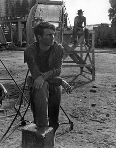 RED RIVER (1948) - Montgomery Clift as 'Matthew Garth' on the set in Arizona - Directed by Howard Hawks - United Artists - Publicity Still.