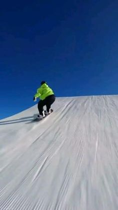 Snowboarding Videos, Snowboarding Style, Ski And Snowboard, Bollywood Funny, Wow Video, Parachutes, Ski Season, Snow Skiing, Halloween Kostüm