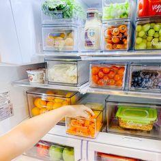 Pantry Organisation, Refrigerator Organization, Kitchen Organization, Organization Hacks, Organized Fridge, Organizing, Healthy Fridge, Healthy Eating, Gold Kitchen