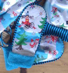 Handschuhe - Handmade Fäustlinge Winterwunderwelt Zwergenchön - ein Designerstück von Die-Revoluzzerin bei DaWanda