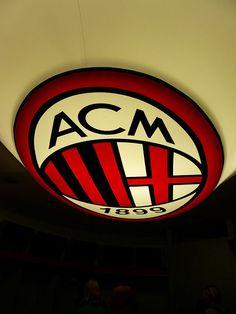 Le plafond du vestiaire du Milan AC.     #Europe's football clubs