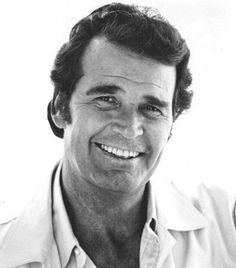 James Garner (born a good actor, and an all-around nice man. One of the first Hollywood actors to excel in both media ~ television & cinema ~ spanning a career of more than five decades. (TV series: MAVERICK in and THE ROCKFORD FILES in Handsome too! Hollywood Actor, Hollywood Stars, Classic Hollywood, Old Hollywood, Hollywood Icons, Celebrity Deaths, Celebrity Photos, Celebrity Crush, Foghorn Leghorn