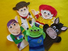 Toy Story hand Puppets set of 5 puppets Buzz , Woody, Jessie, Round up, and the Alien You can order it in any Color you wish Please send me a note to what color you would like Having a Toy Story or Cowboy Birthday Party. Glove Puppets, Felt Puppets, Felt Finger Puppets, Festa Toy Story, Toy Story Party, Puppet Patterns, Felt Patterns, Animal Patterns, Woody And Jessie