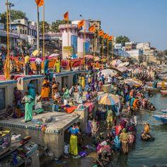 Namaste! Lass dich von den leuchtenden Farben, den faszinierenden Gerüchen und freundlichen Menschen Indiens verzaubern und erlebe das Holi-Fest hautnah im …
