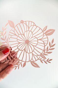 Boda-Hibiscus Motif 9 X 8.5 Cm Adorno Grande Blanco Flor Encaje Blonda a mano