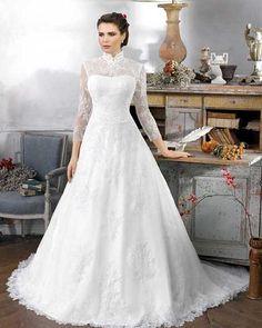 Conheça tudo sobre o vestido de noiva gola alta Os vestidos de noiva passaram por muitas transformações ao longo dos anos. Decores e recortes antes impensáveis começaram a surgir, detalhes aparecem de forma cada vez mais inovadora e há sempre uma opção perfeita para o estilo da noiva que vai subir ao altar. Uma das …