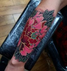 20 Vibrant Sleeve Tattoos for Women: bright and vibrant tattoo of an idyllic red-hued flower Tattoos For Women Half Sleeve, Tattoos For Women Small, Tattoos For Guys, Unique Tattoos, Beautiful Tattoos, Cool Tattoos, Et Tattoo, Cover Tattoo, Gold Tattoo