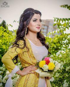 Kurdish girl wearing Kurdish clothes Cilen kurdi kincên kurdi cilkêt kurdi
