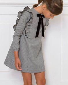 Girl Fashion Style, Girls Fashion Clothes, Little Girl Fashion, Toddler Fashion, Kids Fashion, Little Girl Style, Baby Dress Design, Baby Girl Dress Patterns, Cute Girl Dresses