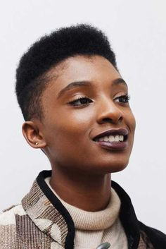 Super-Kurzen Haarschnitt Ideen für Selbstbewusste Frauen    #neueFrisuren #frisuren #2017 #bestfrisuren #bestenhaar  #beliebtehaar #haarmode #mode  #Haarschnitte