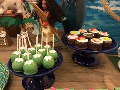 festa moana Festa Moana Baby, 1 Year Birthday, Doll Party, Gummy Bears, Baby Party, Caramel Apples, Cake Pops, Coco, Party Planning