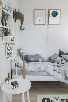 54 Minimalist Kids Bedroom Design Ideas On A Budget - About-Ruth Kids Bedroom Boys, Kids Bedroom Designs, Kids Bedroom Furniture, Kids Room Design, Baby Design, Bedroom Ideas, Rustic Furniture, Childrens Bedrooms Boys, Room Kids