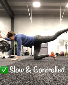 Get a better full body warm up by including the bird dog exercise! Core activation and lower back health. core workout, women's strength training, gym workouts, at home workouts, strength building Strength Training For Runners, Strength Training For Beginners, Strength Training Workouts, Training Motivation, Workout Motivation, Gym Workouts, At Home Workouts, Workout Routines, Bird Dog Exercise