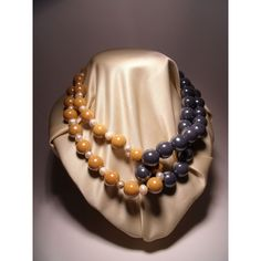 """Necklace """"knot"""" in gray and smooth yellow ceramic and freshwater pearls. Nickel free steel closure"""