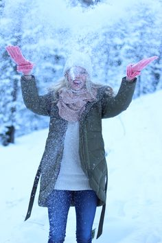 e31ffb88bff2 Snowy weather outfit, winter fashion, winter style. Kelsey Loehr · Glistening  Ambition