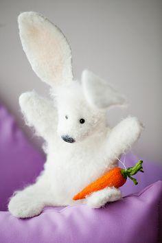 Купить Перчаточная кукла- Заяц с морковкой - белый, заяц, заяц игрушка, игрушка, игрушка в подарок Glove Puppets