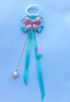 Одноклассники Making Hair Bows, Diy Hair Bows, Bow Holders For Little Girls, Bead Crafts, Diy And Crafts, Ribbons Galore, Kanzashi Tutorial, Rhinestone Bow, Hair Bows