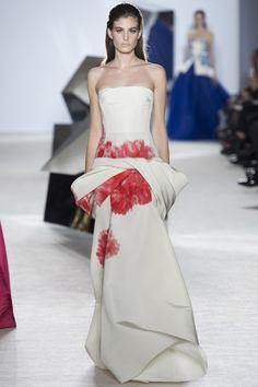 Le défilé Giambattista Valli haute couture printemps-été 2014 30