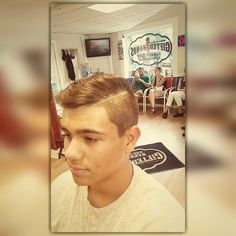 The side part on point tho Barber, Baseball Cards, Female, Men, Barber Shop, Hairdresser